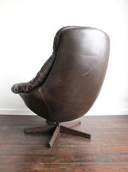 Leather Swivel Egg Chair By H W Klein For Bramin Mobler